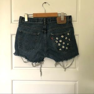 ☀️Levi's    Embroidered Shorts